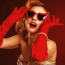 Солнечные очки добавляют привлекательности