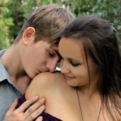 25 психологических фактов о влюбленных парнях