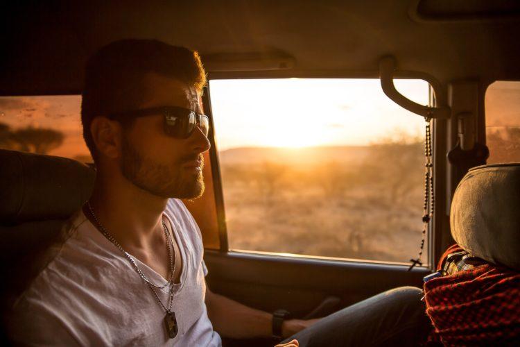 5 интересных психологических фактов о красивых парнях